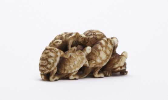 The Hare With Amber Eyes: Netsuke