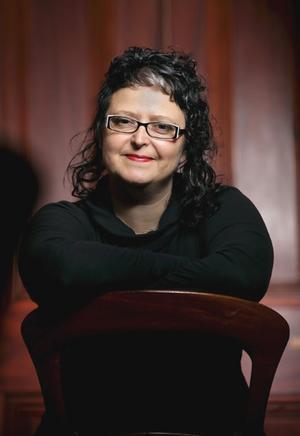 Author Krissy Kneen